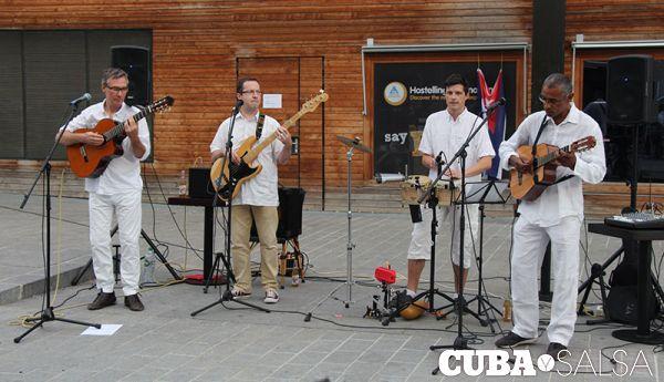 2015 08 28 luna y su banda place pajol