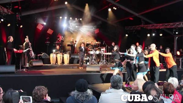 2016 06 18 concert salsa yuri buenaventura danseurs