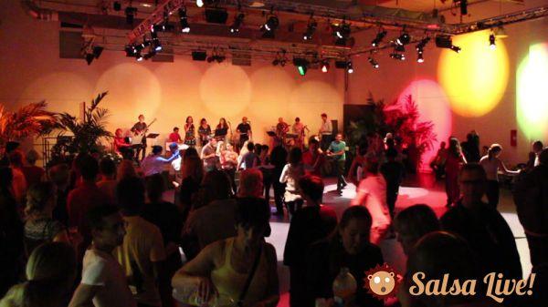 2015 05 06 soiree salsa orchestre los guajiros danseurs