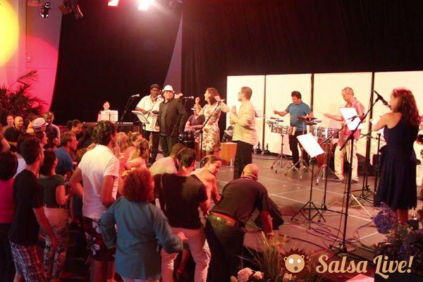 2015 06 24 orchestre salsa los piruleros danseurs